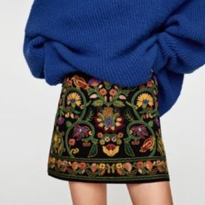 Embroidered Floral Zara Black Green Mini Skirt XS